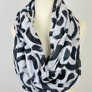H&M black and White Brush Stroke Infinity Scarf